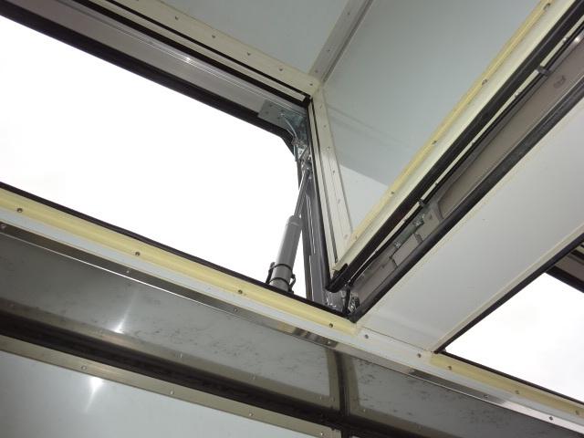 UD クオン ハイルーフ 4軸低床冷凍ウィング 画像20