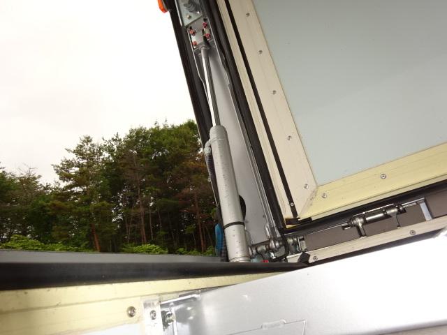 UD クオン ハイルーフ 4軸低床冷凍ウィング 画像21