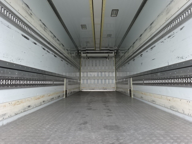 UD クオン ハイルーフ 4軸低床冷凍ウィング 画像9
