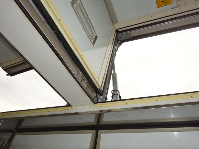 UD クオン ハイルーフ 4軸低床冷凍ウィング 画像19