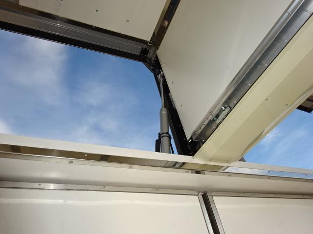UD H27 クオン 4軸低床 冷凍ウィング 格納PG 画像11