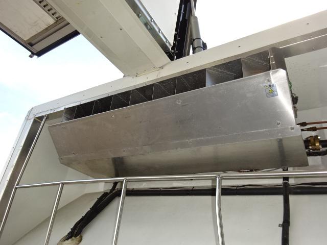 UD H27 クオン 4軸低床 冷凍ウィング 格納PG 画像16