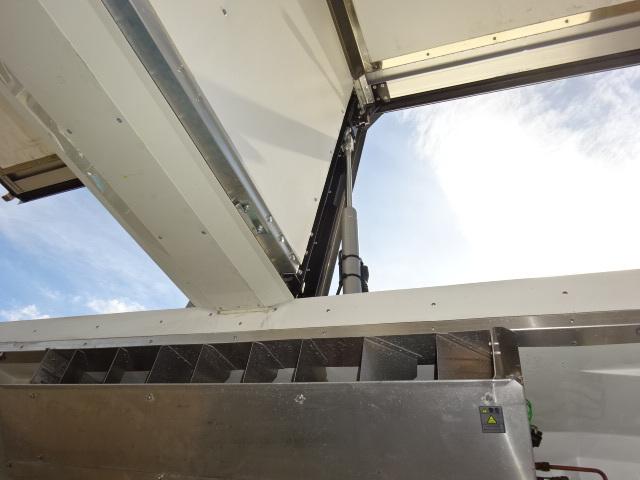 UD H27 クオン 4軸低床 冷凍ウィング 格納PG 画像13
