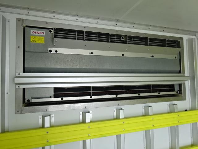いすゞ H27 エルフ 低温冷凍車 サイド扉 画像13