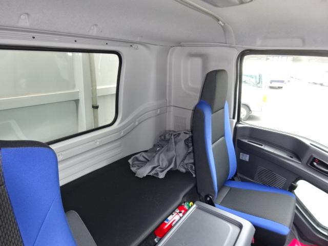 いすゞ H28 ギガ 4軸低床アルミウィング 画像27