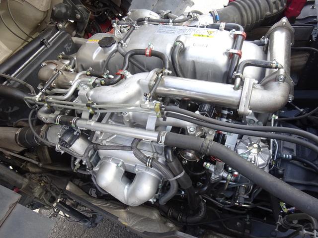 いすゞ H23 ギガ ハイルーフ 4軸低床アルミウィング 画像16
