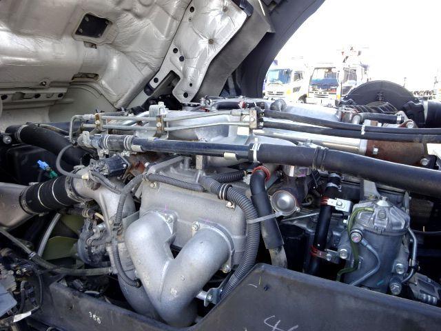 いすゞ H27 ギガ 4軸低床冷凍ウィング 画像22
