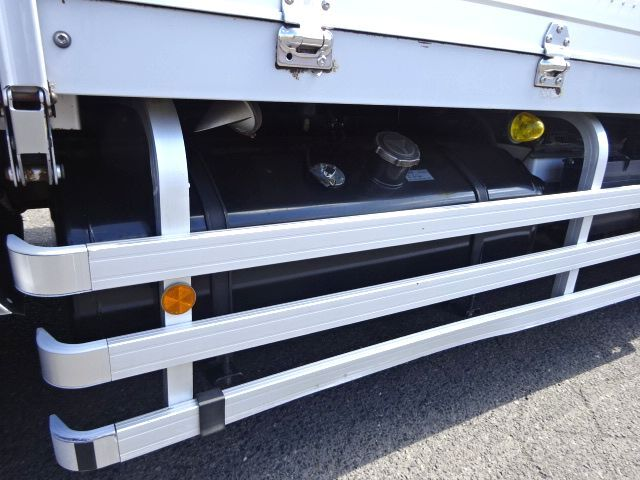 いすゞ H27 ギガ 4軸低床冷凍ウィング 画像21