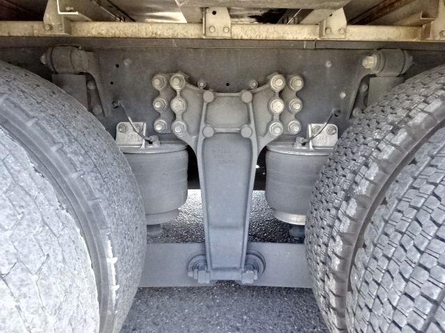 いすゞ H27 ギガ 4軸低床冷凍ウィング 画像19
