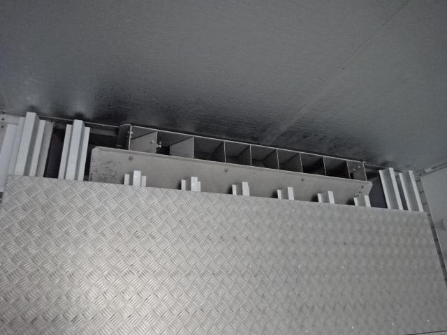 UD H29 クオン 3軸 低温冷凍車 キーストン ジョルダー 画像13