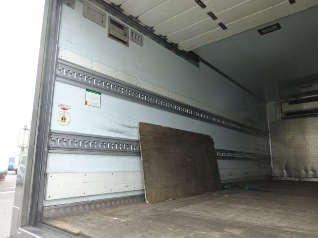 いすゞ H27 フォワード ワイド 低温冷凍車 リアシャッター扉 画像10