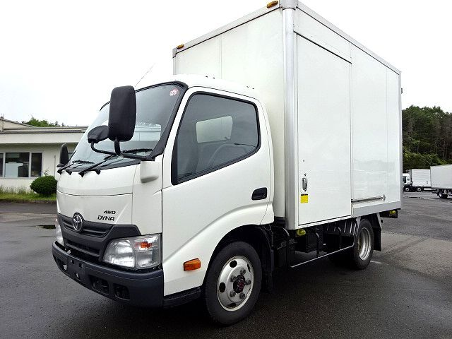 トヨタ H26 ダイナ パネルバン 4WD 画像1