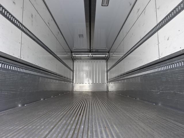 日野 H28 プロフィア ハイルーフ 4軸低床冷凍ウィング 画像3