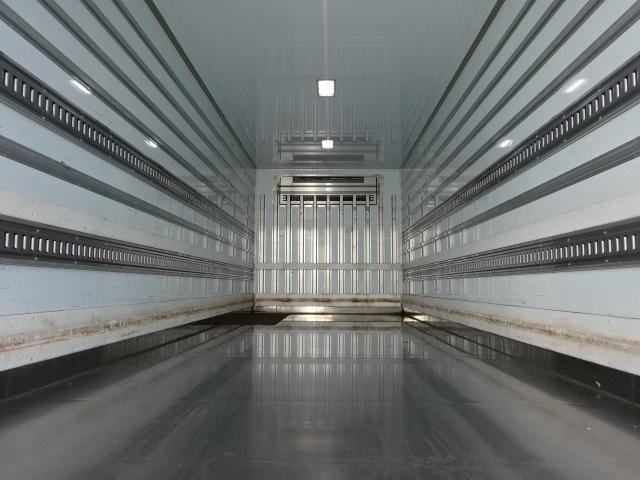 日野 H27 レンジャー 増トン 7300ワイド 低温冷凍車 格納PG 画像2