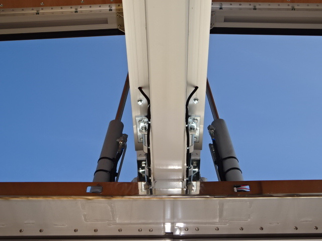 いすゞ R3 ギガ 4軸低床アルミウィング ハイルーフ 融雪仕様 画像15
