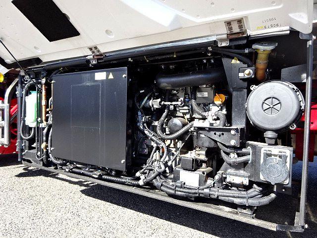 三菱 R1 スーパーグレート 4軸低床冷凍車 画像15