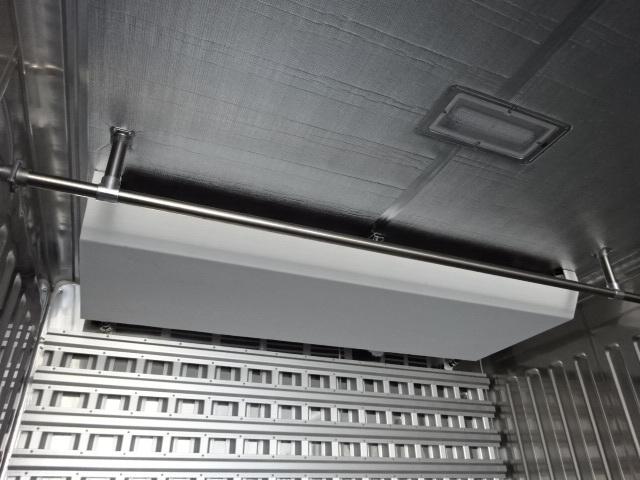 三菱 R1 スーパーグレート 4軸低床冷凍車 画像13
