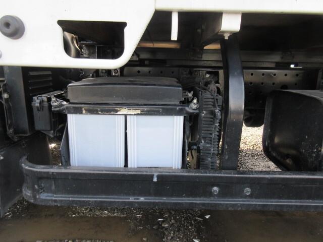 三菱 H25 キャンター 平 4WD 全低床 ロング  画像16