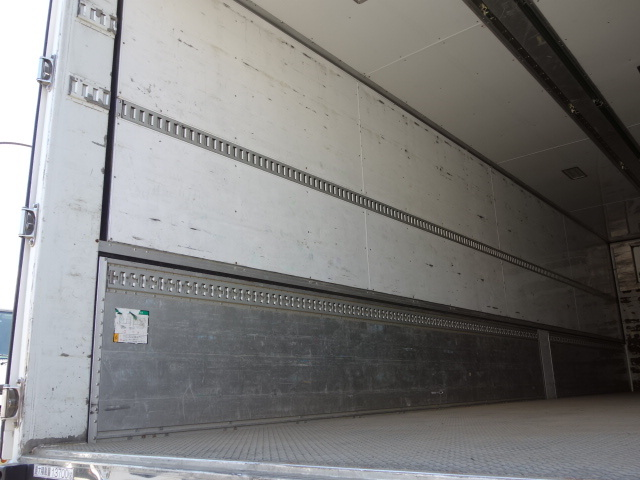 いすゞ H27 ギガ 中温冷凍ウィング 車検付 画像10