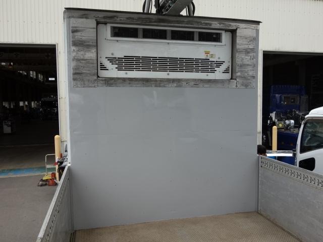 いすゞ H27 ギガ 中温冷凍ウィング 車検付 画像12