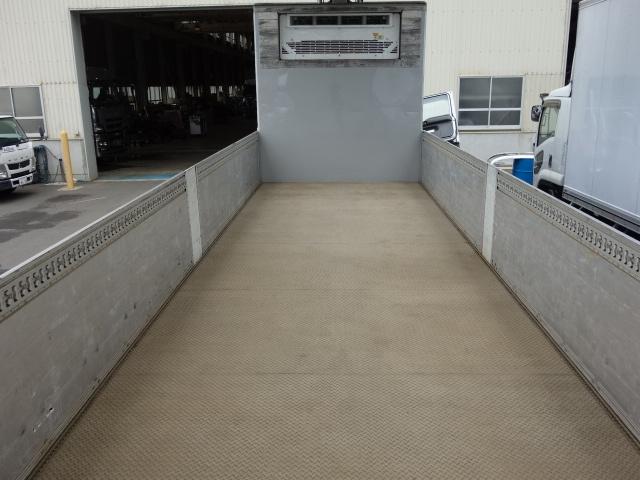 いすゞ H27 ギガ 中温冷凍ウィング 車検付 画像9