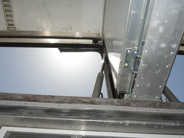 いすゞ H27 ギガ 中温冷凍ウィング 車検付 画像19