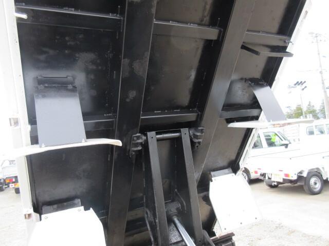 三菱 H16 キャンター ダンプ 画像13