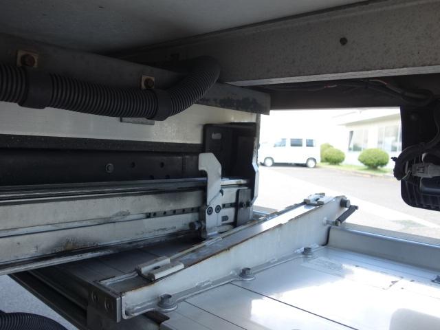 いすゞ H24 フォワード 6500ワイド 低温冷凍車 格納PG 画像17