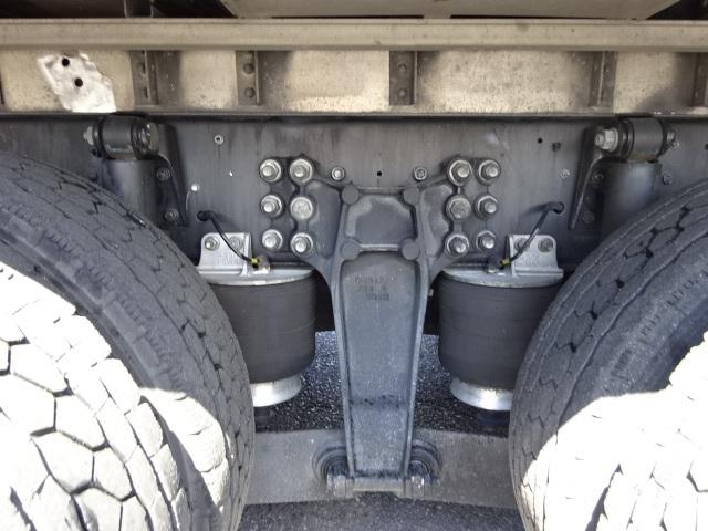 いすゞ H27 ギガ 4軸低床冷凍ウィング 画像15