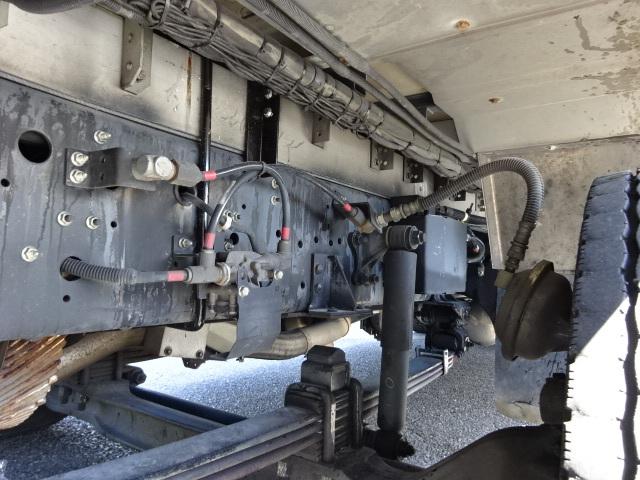 いすゞ H27 ギガ 4軸低床冷凍ウィング 画像17