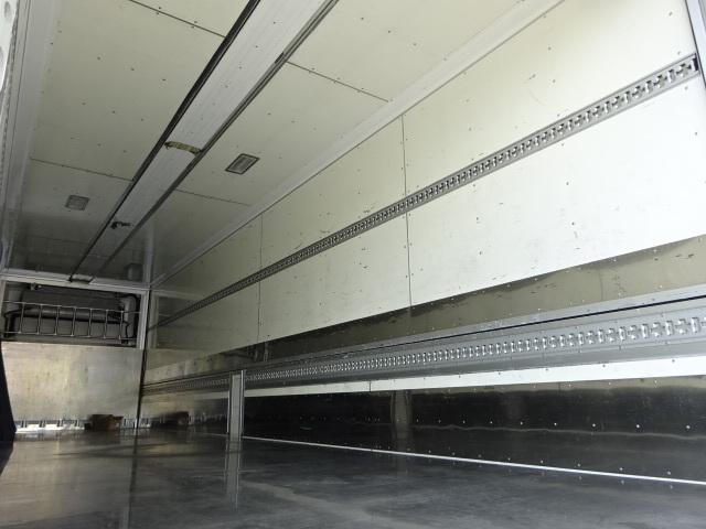 いすゞ H27 ギガ 4軸低床冷凍ウィング 画像11