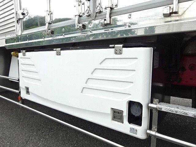 三菱 H23 スーパーグレート ハイルーフ 3軸低温冷凍車 画像12