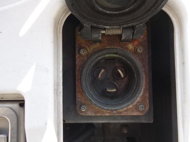 いすゞ H28 ギガ ハイルーフ 4軸低床 低温冷凍車 画像21