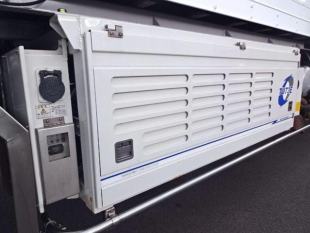 いすゞ H21 ギガ 3軸 冷蔵冷凍車 サイドダブル観音扉 画像13