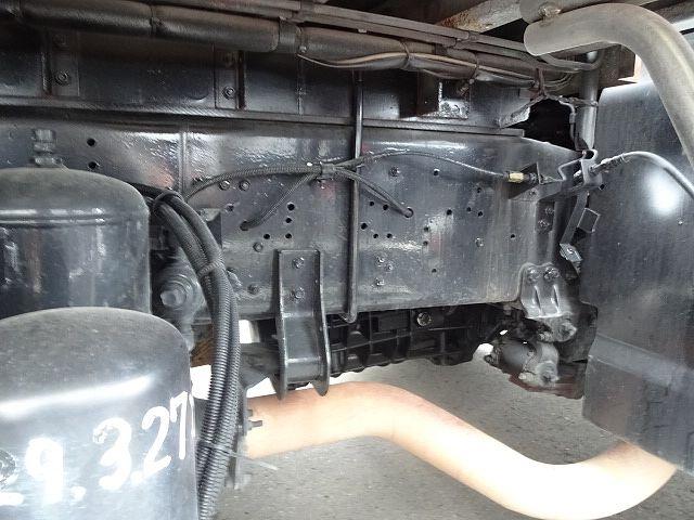 いすゞ H21 ギガ 3軸 冷蔵冷凍車 サイドダブル観音扉 画像16