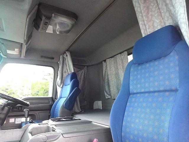 いすゞ H21 ギガ 3軸 冷蔵冷凍車 サイドダブル観音扉 画像27