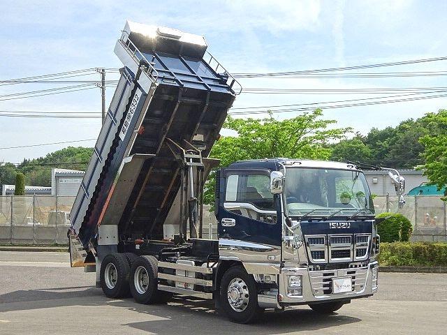 いすゞ H27 ギガ ダンプ 入庫準備中 画像7