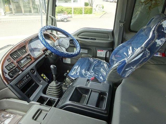いすゞ H27 ギガ ダンプ 入庫準備中 画像9