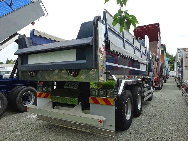 いすゞ H27 ギガ ダンプ 入庫準備中 画像14