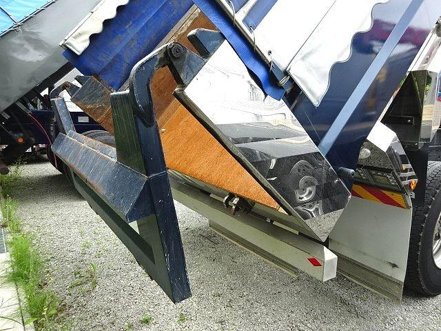 いすゞ H27 ギガ ダンプ 入庫準備中 画像21