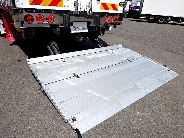 いすゞ H25 ギガ 4軸低床アルミウィング 格納PG 画像9