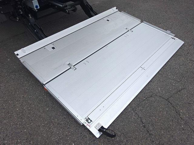 日野 H29 レンジャー フルワイド低温冷凍車 格納PG 画像13