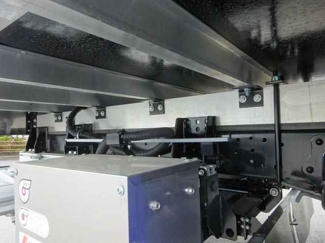 日野 H29 レンジャー フルワイド低温冷凍車 格納PG 画像17