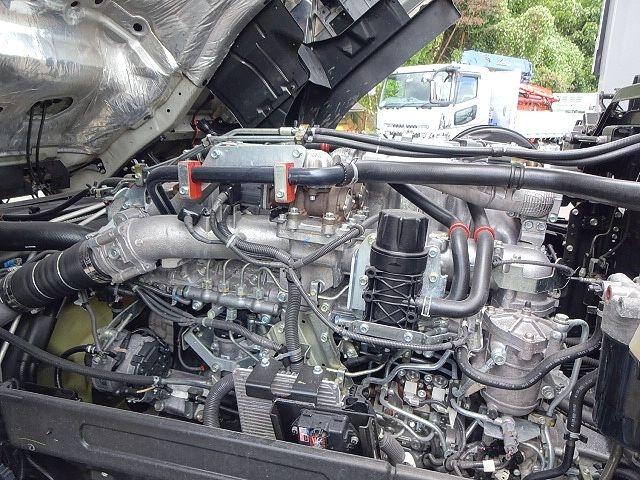 いすゞ H28 ギガ 4軸低床アルミウィング リアエアサス 画像28