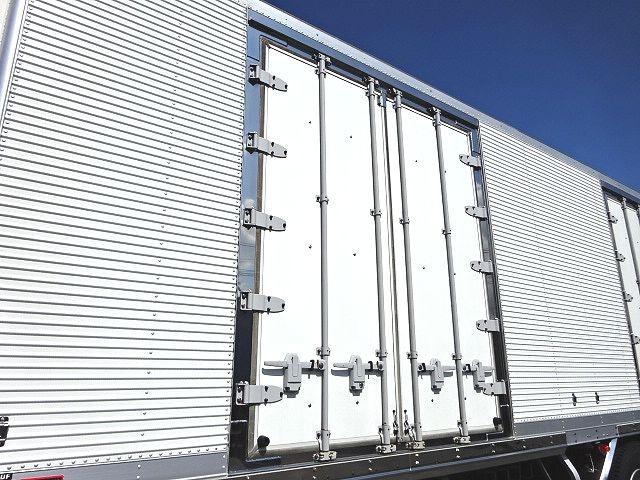 日野 H18 プロフィア 3軸低温冷凍車 格納PG 画像5