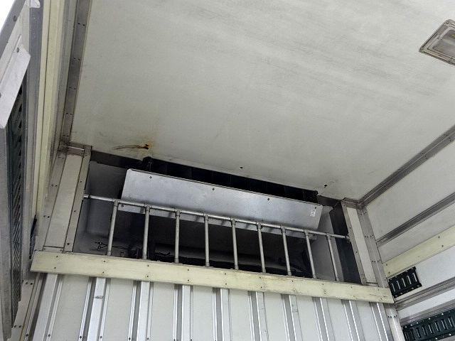 いすゞ H19 ギガ 4軸低床 低温冷凍車 画像15