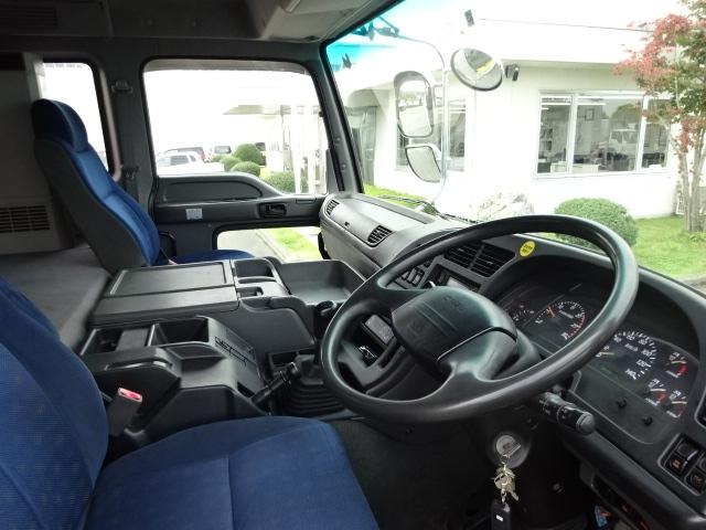 いすゞ H19 ギガ 4軸低床 低温冷凍車 画像24