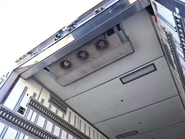 UD H19 クオン ハイルーフ 4軸低床 冷蔵冷凍車★ 画像13