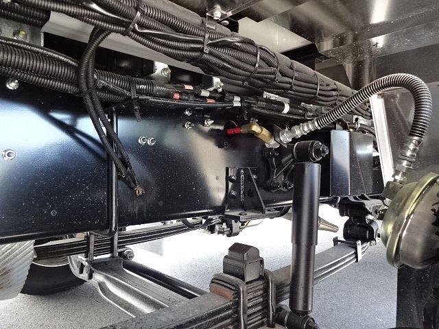 いすゞ H30 ギガ 4軸低床 冷凍ウィング 未使用車 ★ 画像19