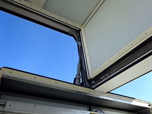 UD H27 クオン ハイルーフ 4軸低床冷凍ウィング★ 画像16